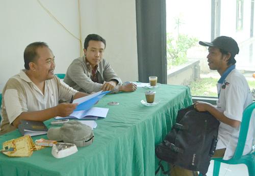 3 calon kades di desa karangsemanding